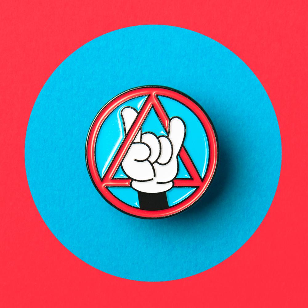 analogue_store_pin_badge_01