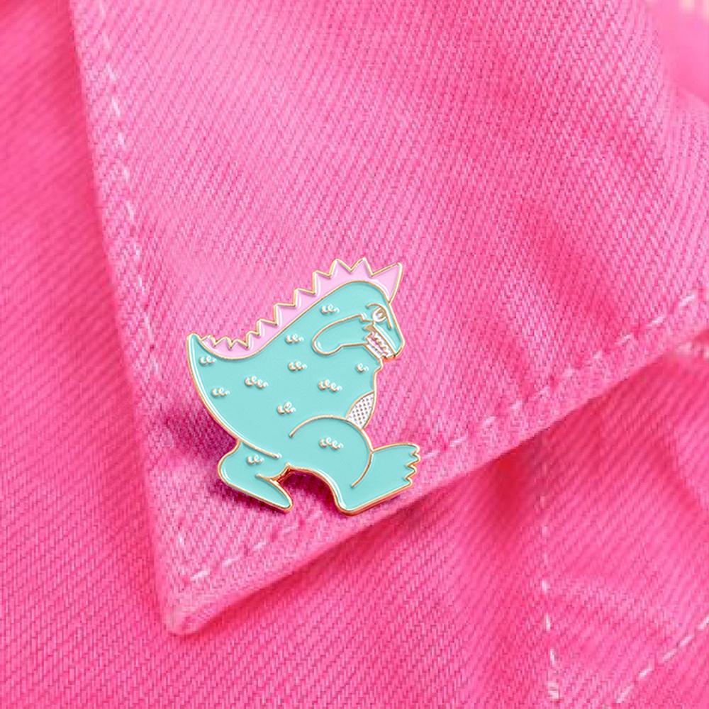 analogue_store_pin_badge_03